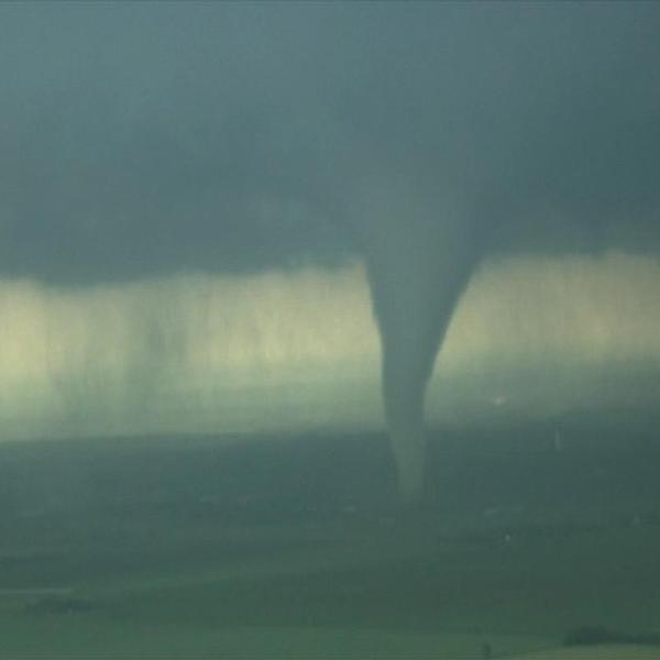 Tornado touches down near Oklahoma City