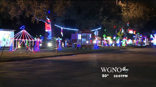 Jefferson Parish's biggest Christmas light's display… is all aglow tonight.