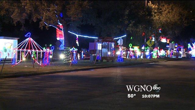Jefferson Parish's biggest Christmas light's display… is all aglow tonight.
