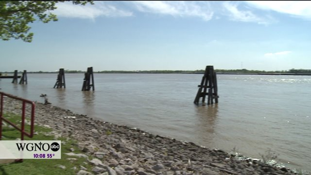 Army Corps of Engineers Activates It's Phase One Flood Fight as River Levels Rise