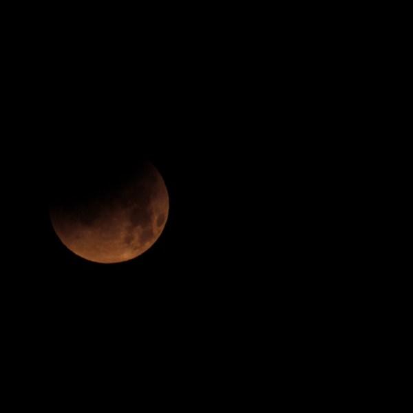 SPAIN-ASTRONOMY-ECLIPSE-MOON