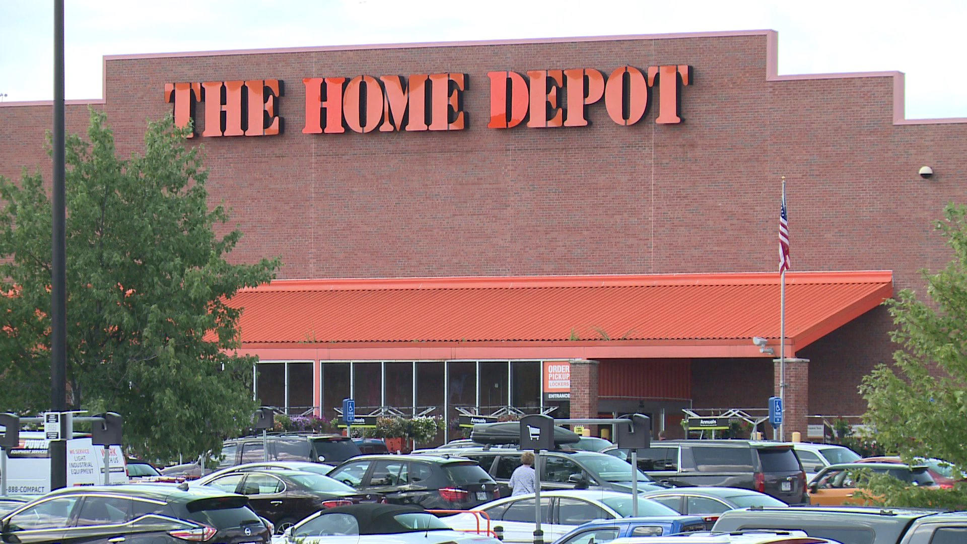 Home Depot Employee Dies After Drywall Falls On Him Wgno
