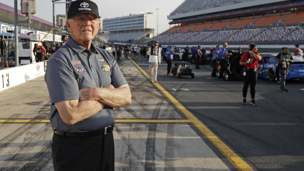 With champs in tow, Gibbs stands tall as class of NASCAR