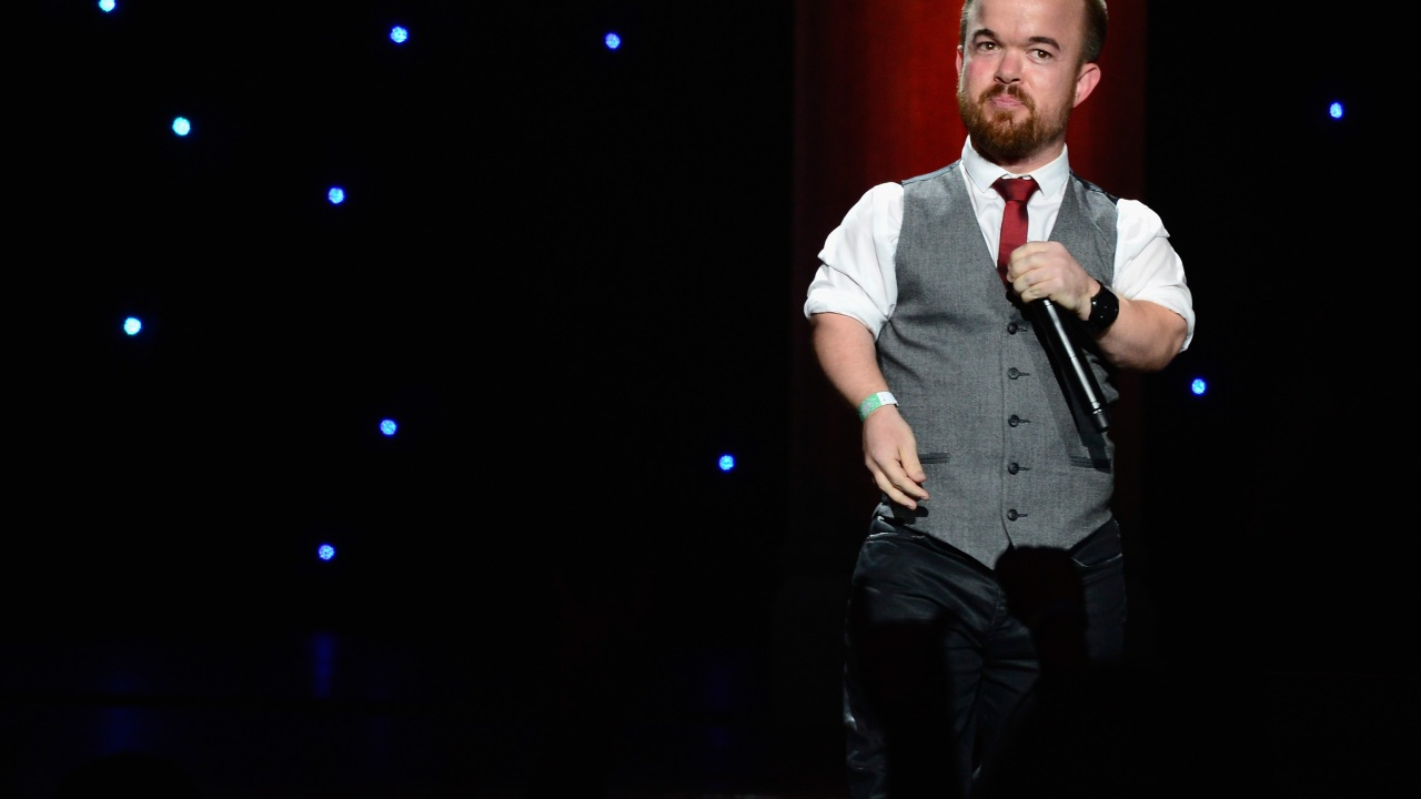 Comedian Brad Williams helps raise over $75,000 for bullied 9-year-old