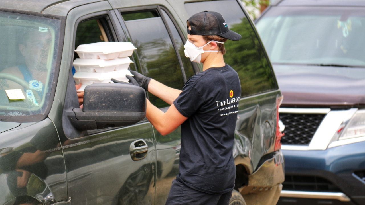 Public schools in St. Tammany resume meal distribution