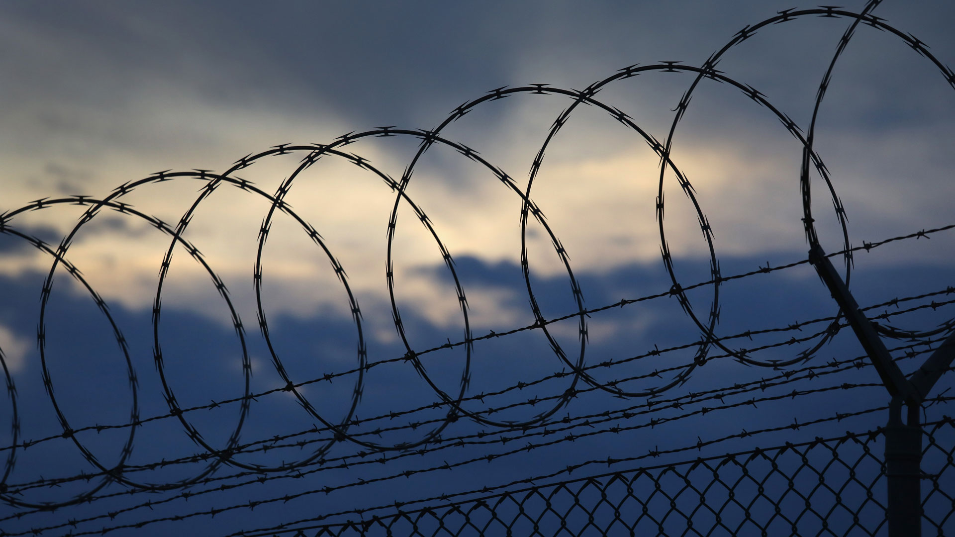 Barbed wire, prisons