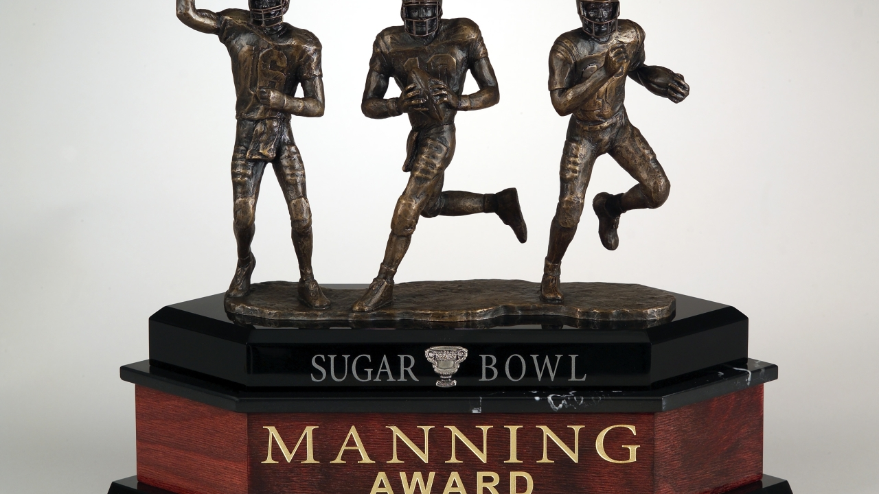 National Honor Recognizes Top Quarterback in Country After Bowls