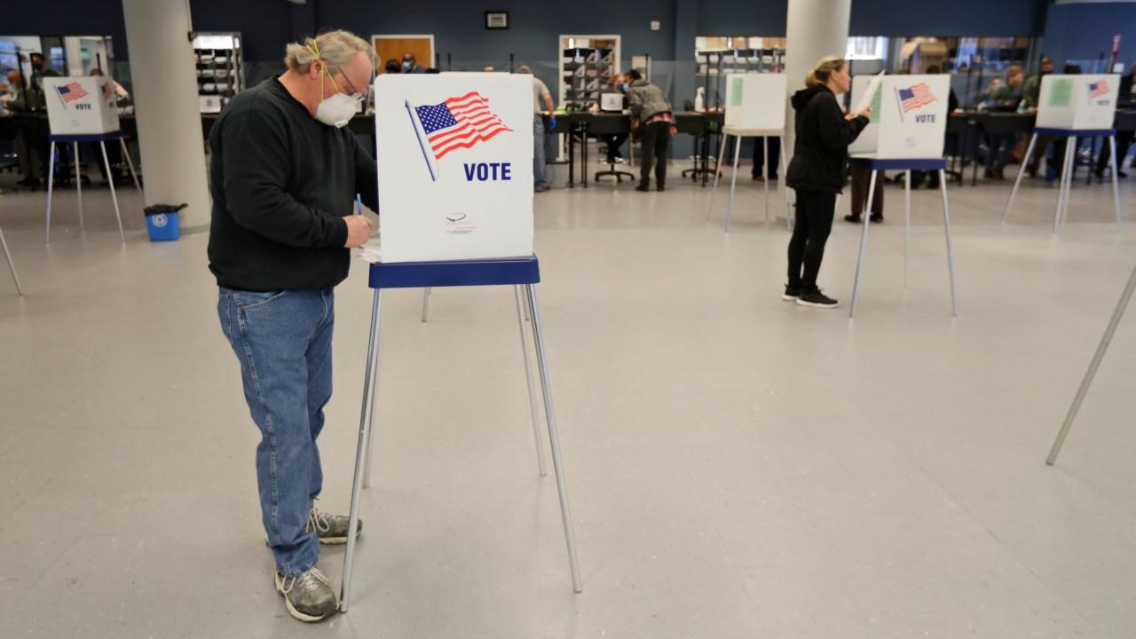 Louisiana absentee ballot request deadline reminder for August 11