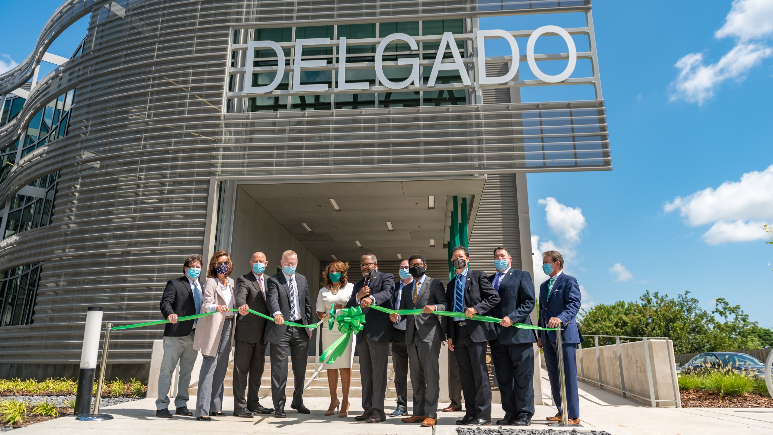 https://wgno.com/news/delgado-cuts-ribbon-on-advanced-technology-center-at-west-bank-campus/(opens in a new tab)