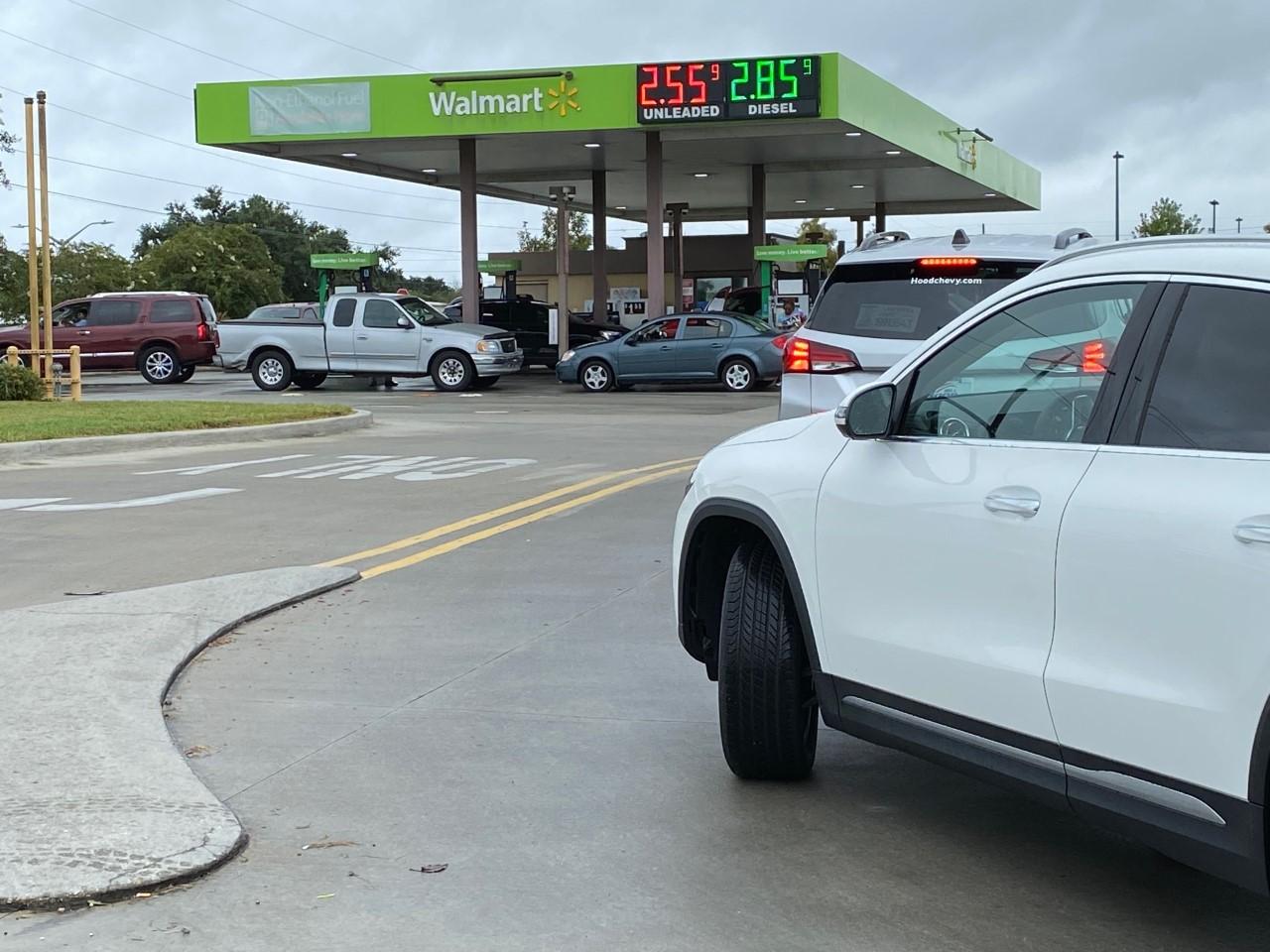 Long gas lines in Mereaux