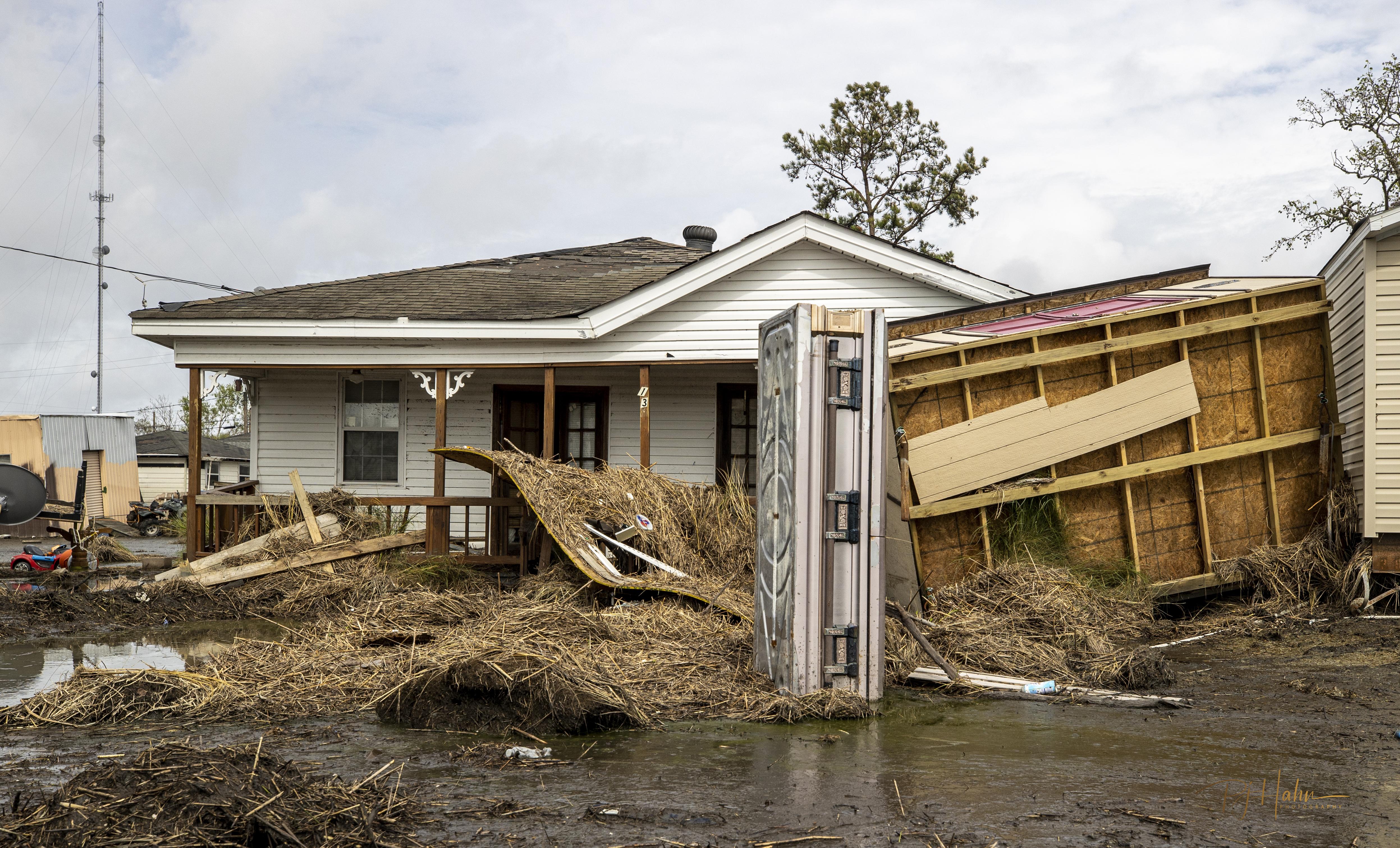 https://wgno.com/news/photos-hurricane-ida-unearths-the-dead-as-caskets-strewn-across-plaquemines-parish/