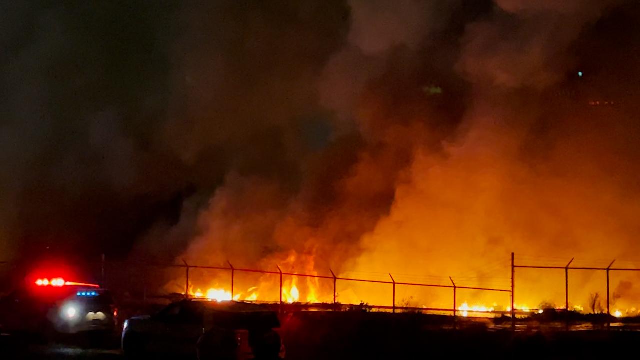 Massive fire engulfs wharf along New Orleans riverfront